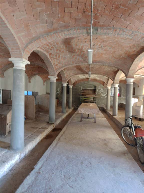 Rustico / Casale in vendita a San Benedetto Po, 15 locali, zona Zona: Portiolo, prezzo € 250.000 | CambioCasa.it