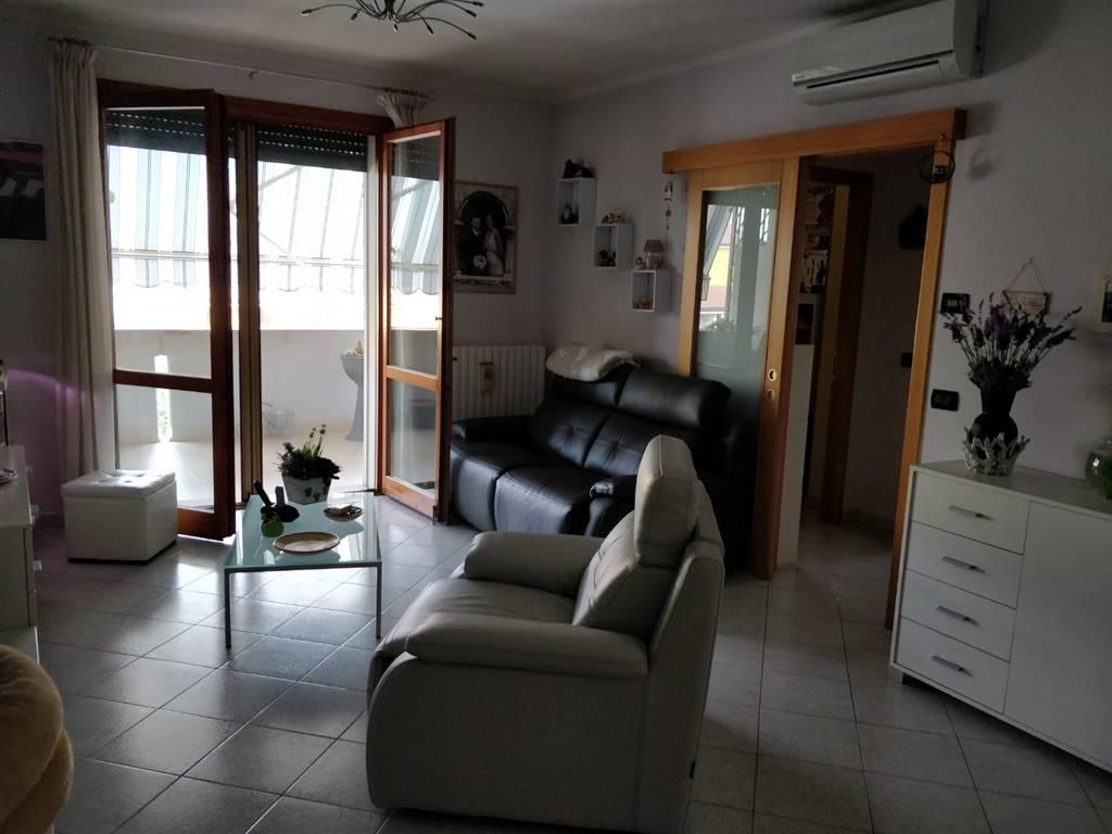 Appartamento in vendita a Suzzara, 3 locali, prezzo € 115.000 | CambioCasa.it