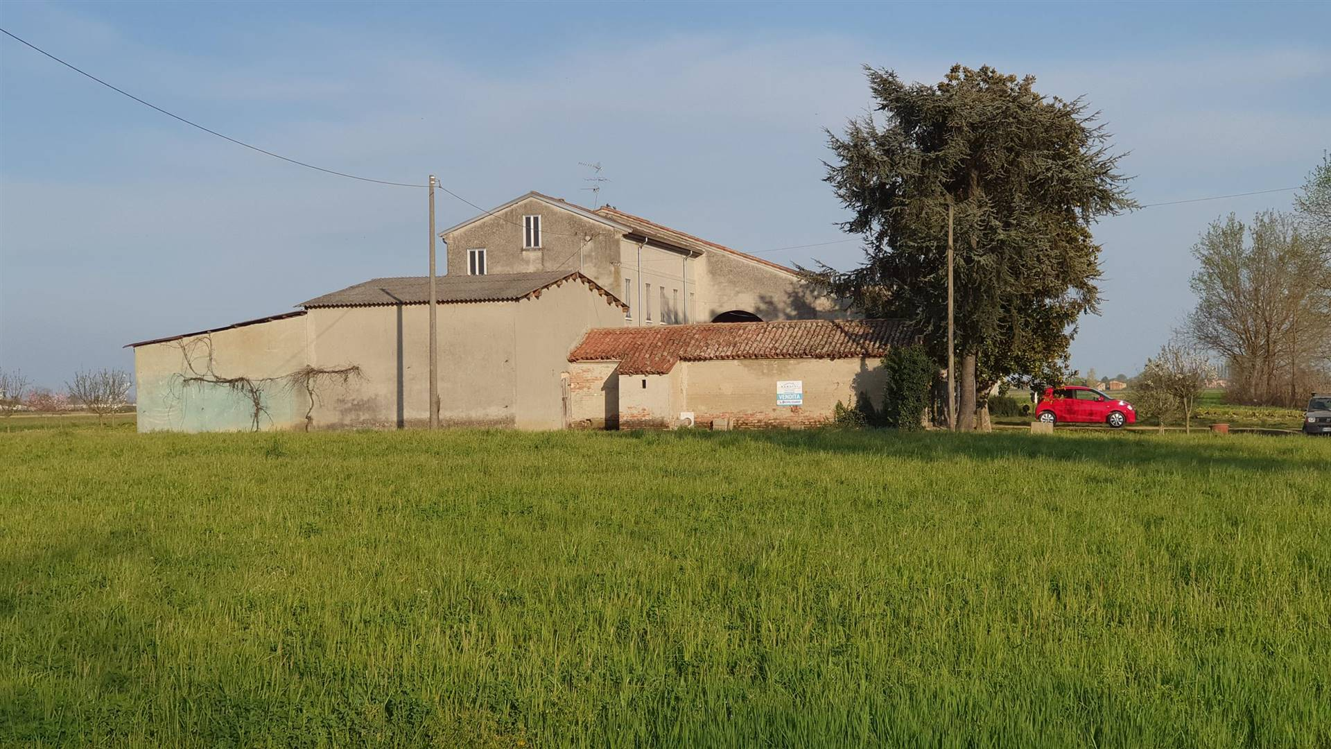 Rustico / Casale in vendita a Quistello, 8 locali, prezzo € 180.000 | CambioCasa.it