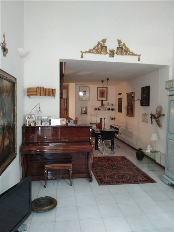 Appartamento in vendita a Novellara, 6 locali, prezzo € 185.000 | PortaleAgenzieImmobiliari.it