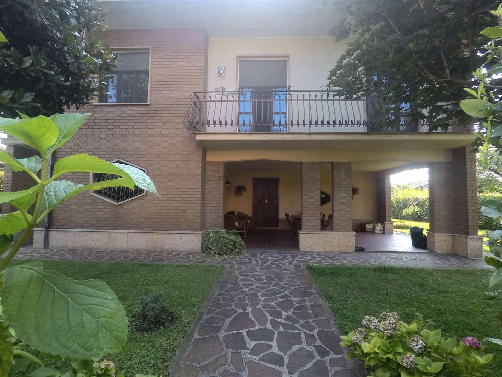 Villa in vendita a Porto Mantovano, 13 locali, zona Zona: Bancole, prezzo € 340.000 | CambioCasa.it