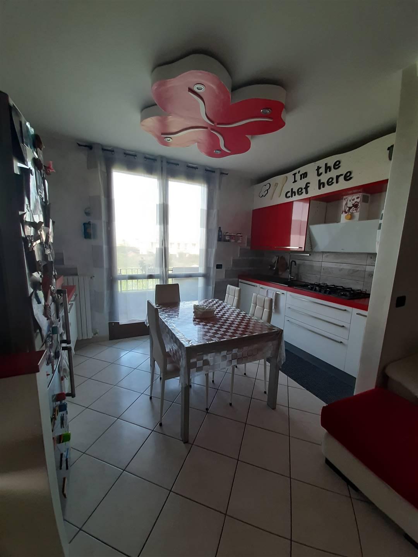 Appartamento in vendita a Suzzara, 3 locali, zona Località: CROCE DEL GALLO, prezzo € 98.000 | CambioCasa.it