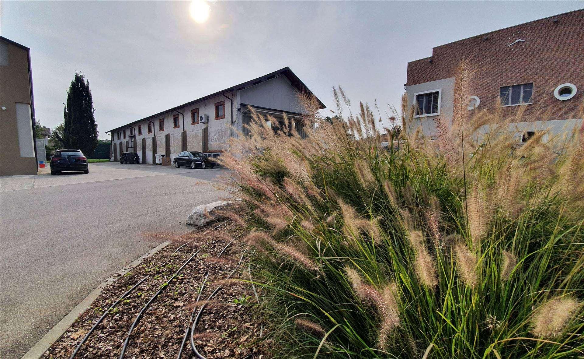 Immobile Commerciale in affitto a Porto Mantovano, 4 locali, zona Zona: Sant'Antonio (capoluogo), prezzo € 1.100 | CambioCasa.it