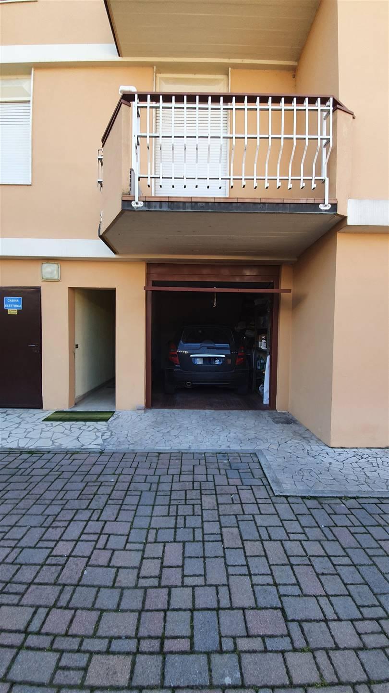 Appartamento in vendita a Moglia, 6 locali, prezzo € 109.000 | CambioCasa.it