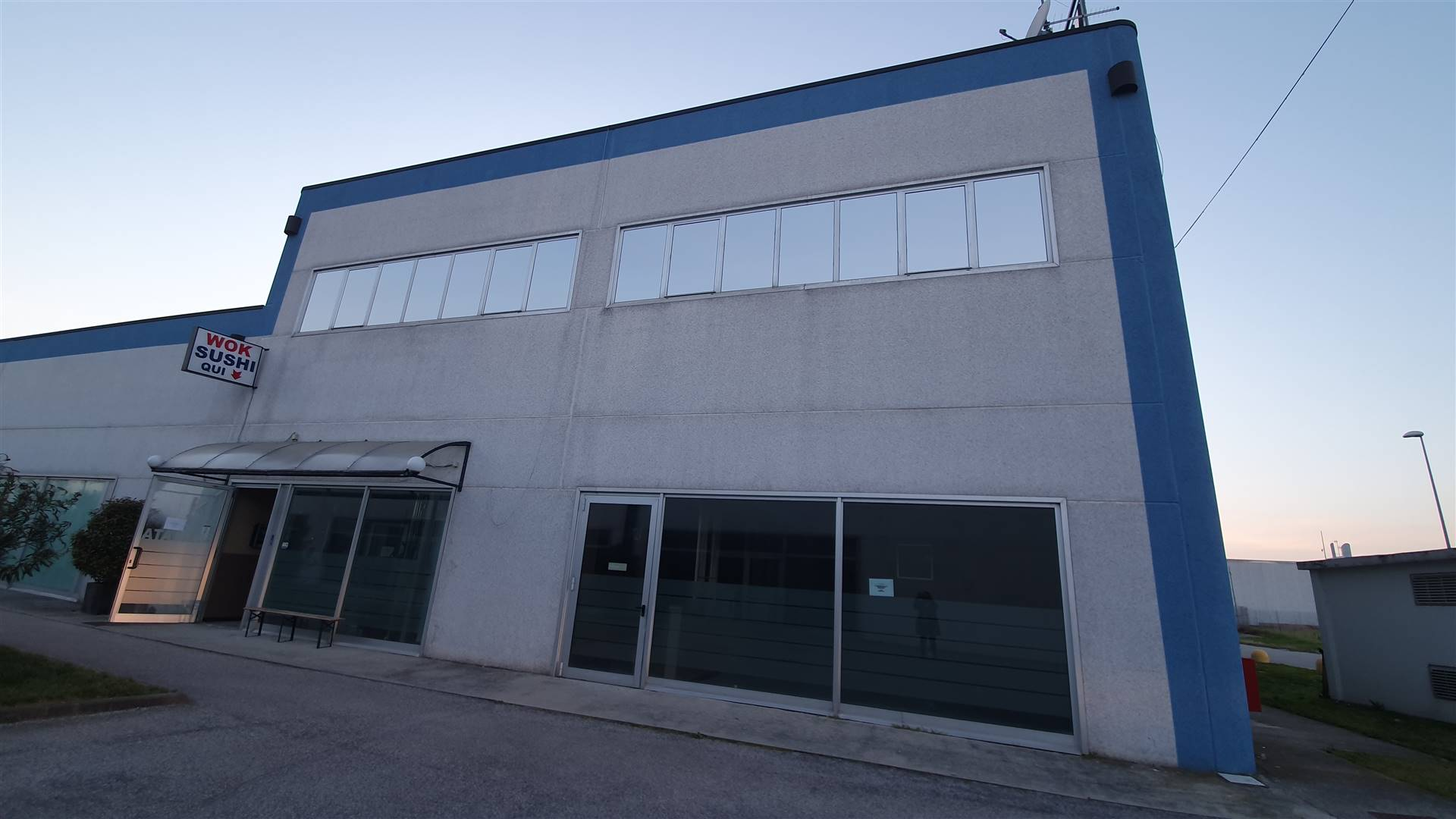 Ristorante / Pizzeria / Trattoria in affitto a Curtatone, 4 locali, prezzo € 3.000 | PortaleAgenzieImmobiliari.it