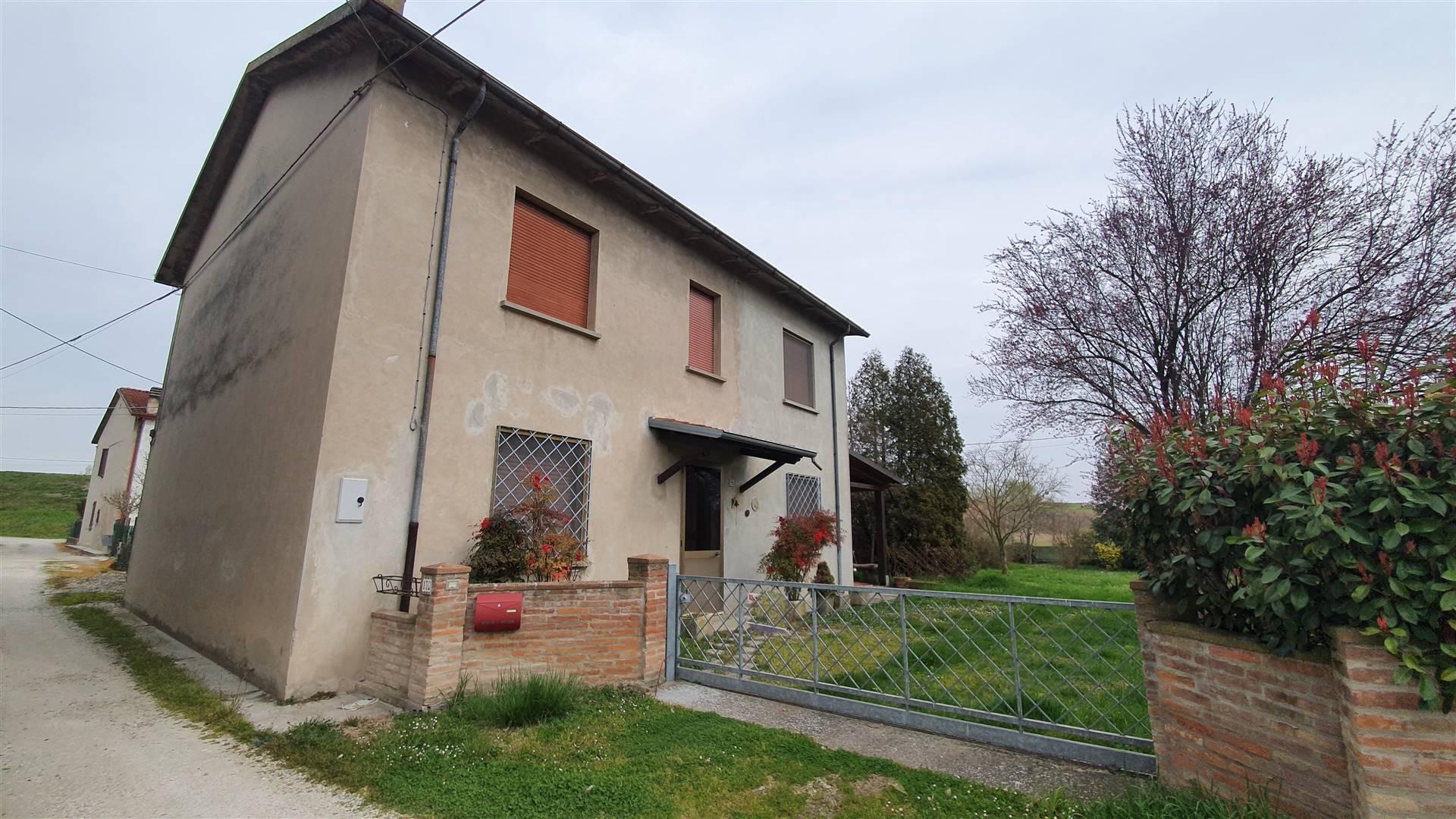 Soluzione Indipendente in vendita a San Benedetto Po, 9 locali, zona Zona: Bardelle, Trattative riservate | CambioCasa.it