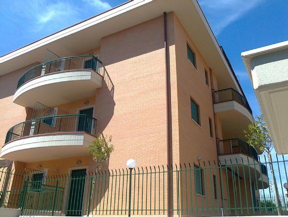 Monolocale in Via Del Fosso S. Andrea, Torvergata,morena,romanina, Roma