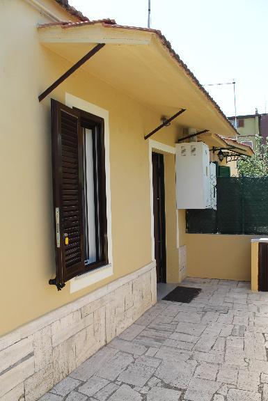 Appartamento indipendente in Via Giosuè Carducci, Ciampino