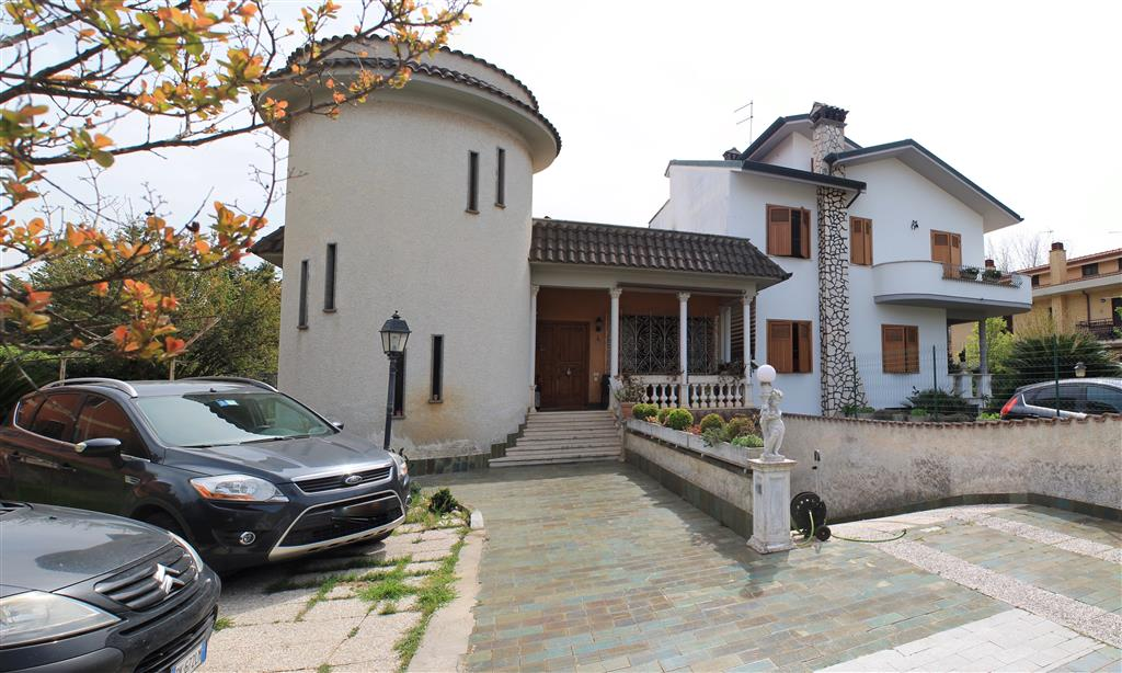 Villa, Ciampino