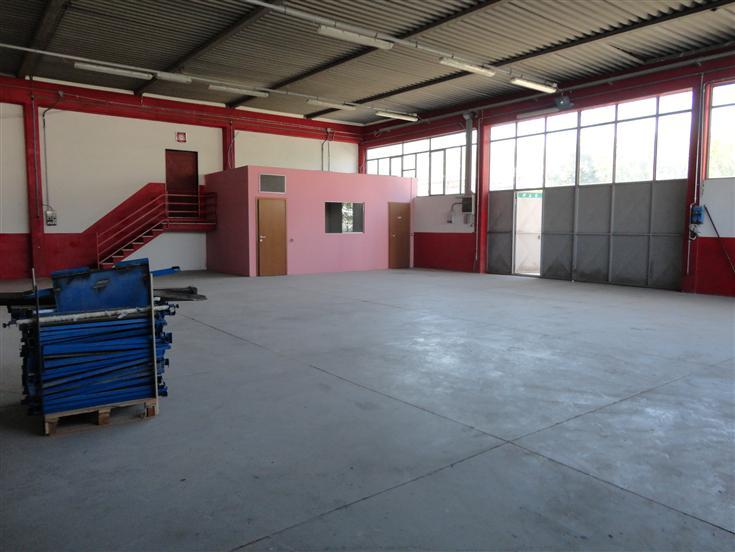 Laboratorio in affitto a Gambassi Terme, 9999 locali, zona Zona: Badia a Cerreto, prezzo € 800 | CambioCasa.it