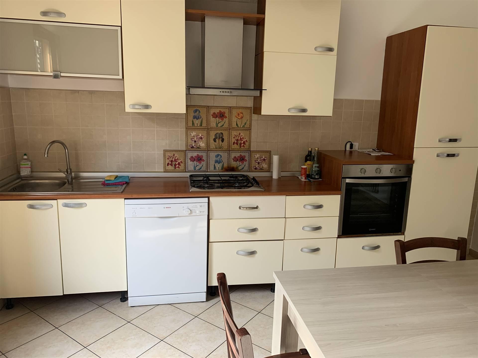 Appartamento in affitto a Certaldo, 5 locali, zona Località: CENTRO, prezzo € 550 | CambioCasa.it