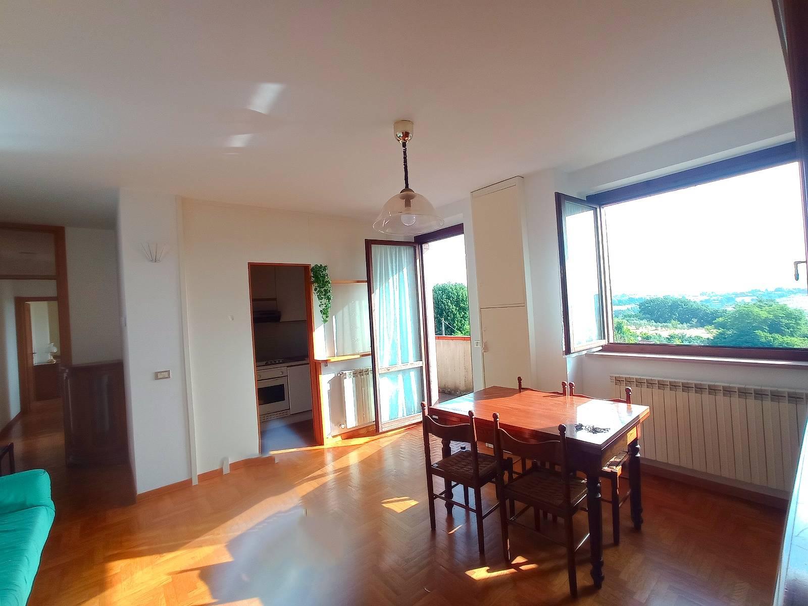 Appartamento in vendita a Monteriggioni, 3 locali, zona Località: UOPINI, prezzo € 200.000 | PortaleAgenzieImmobiliari.it