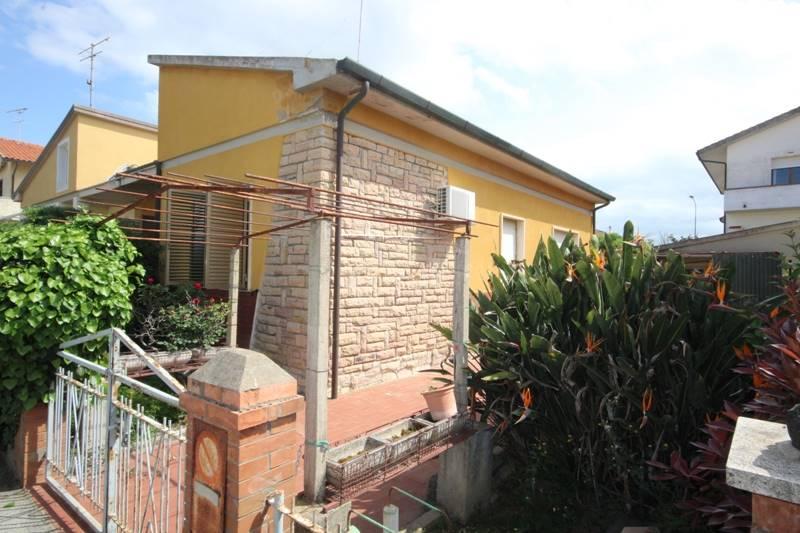 Bifamiliare, Donoratico, Castagneto Carducci, da ristrutturare