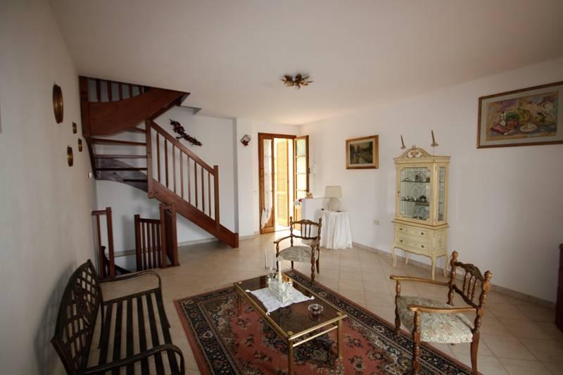 Appartamento in vendita a Monteverdi Marittimo, 3 locali, prezzo € 129.000   CambioCasa.it