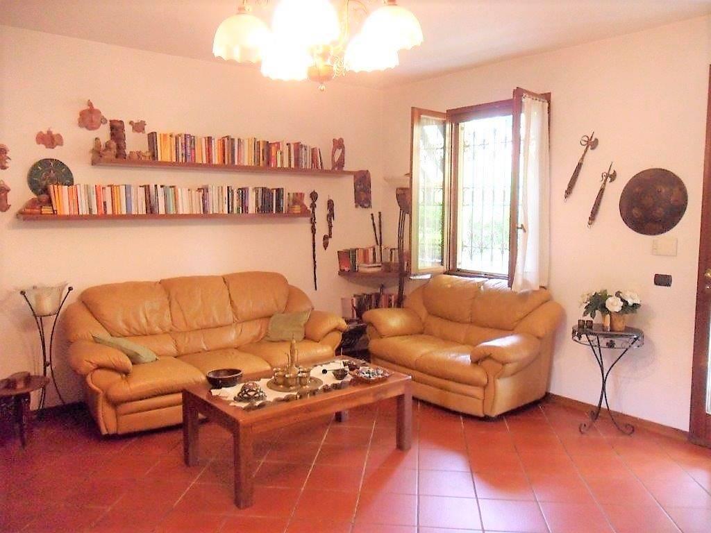 Villa a schiera, Pozzi, Seravezza, in ottime condizioni