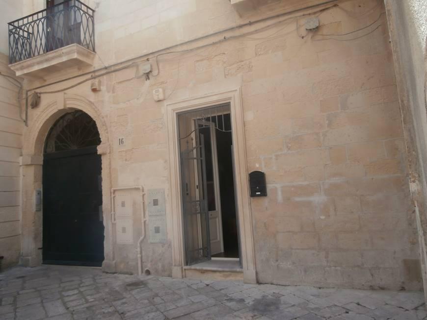 Quadrilocale in Piazza Lillo, Centro Storico, Lecce