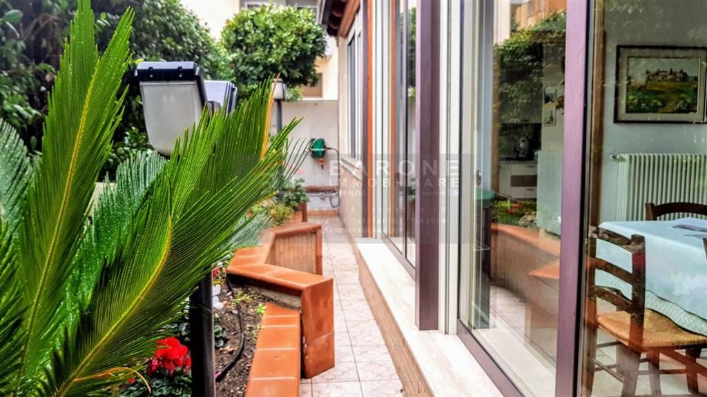 Appartamento in vendita a Altamura, 8 locali, prezzo € 330.000 | CambioCasa.it