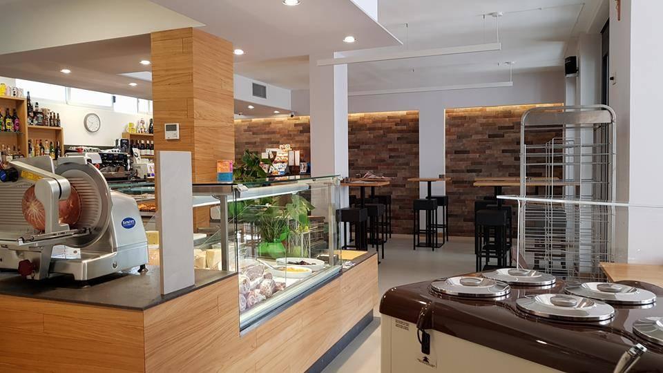 Bar in vendita a Matera, 9999 locali, zona Zona: Centro direzionale, Trattative riservate | CambioCasa.it