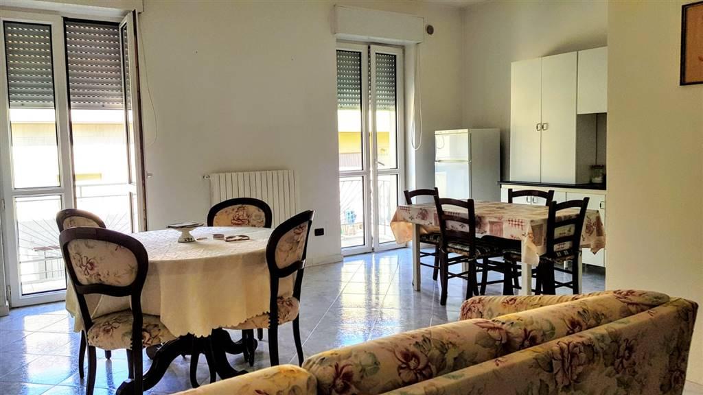 Appartamento in vendita a Altamura, 4 locali, prezzo € 185.000 | CambioCasa.it
