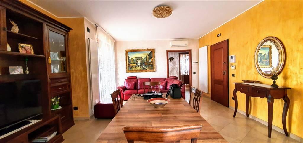 Appartamento in vendita a Altamura, 4 locali, prezzo € 250.000 | CambioCasa.it