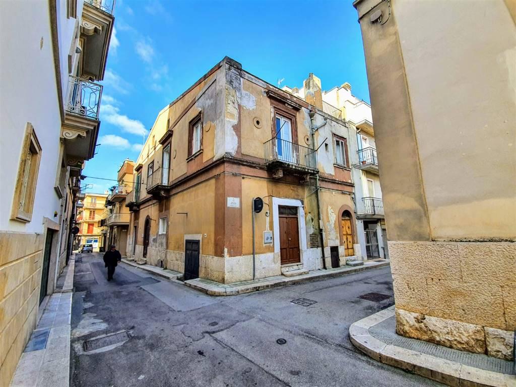 Soluzione Indipendente in vendita a Altamura, 5 locali, prezzo € 320.000   CambioCasa.it