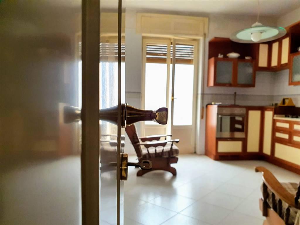 Appartamento in vendita a Altamura, 5 locali, prezzo € 159.000 | CambioCasa.it