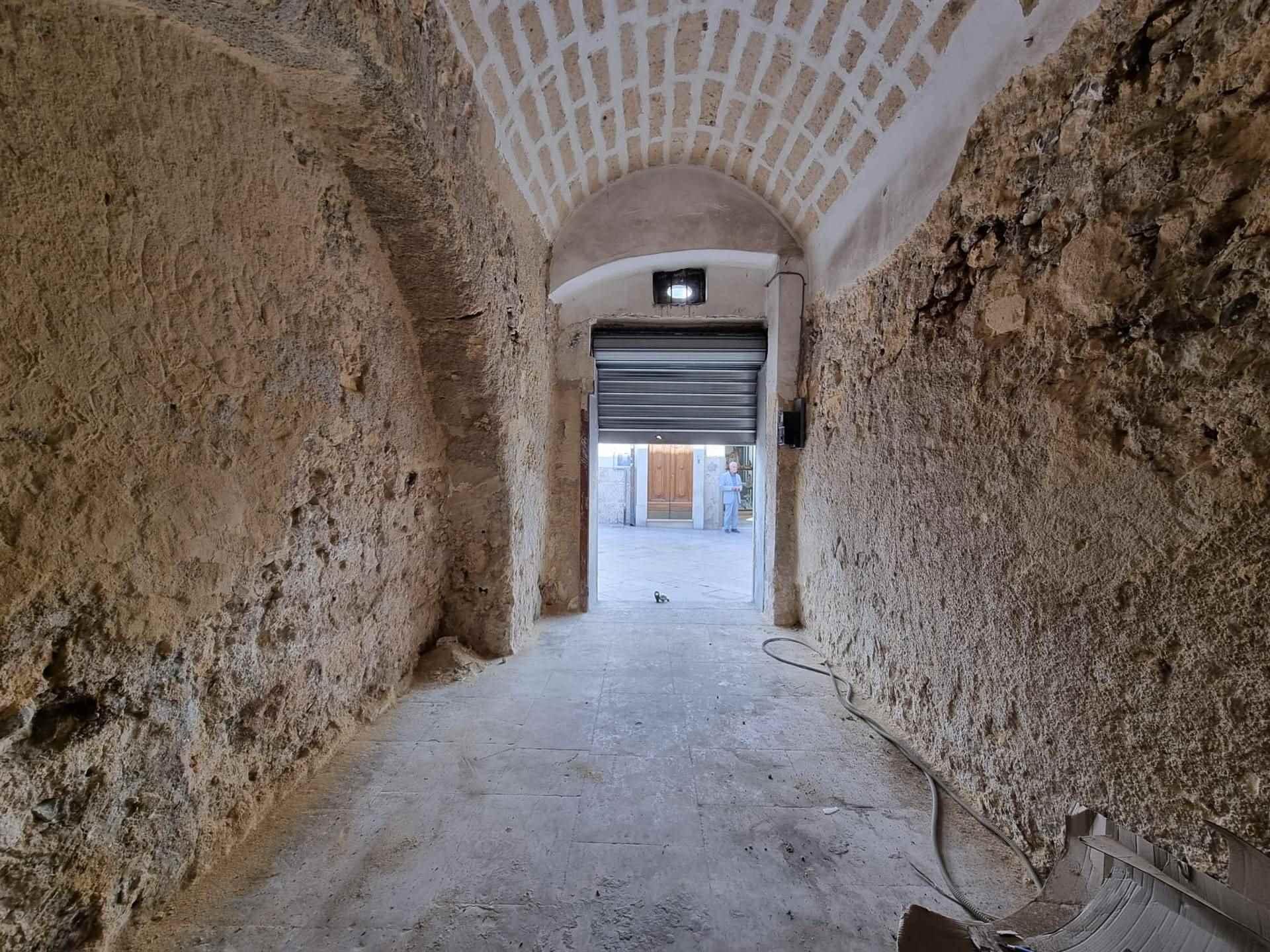 Immobile Commerciale in affitto a Altamura, 4 locali, zona Località: CENTRO STORICO, prezzo € 1.000   CambioCasa.it