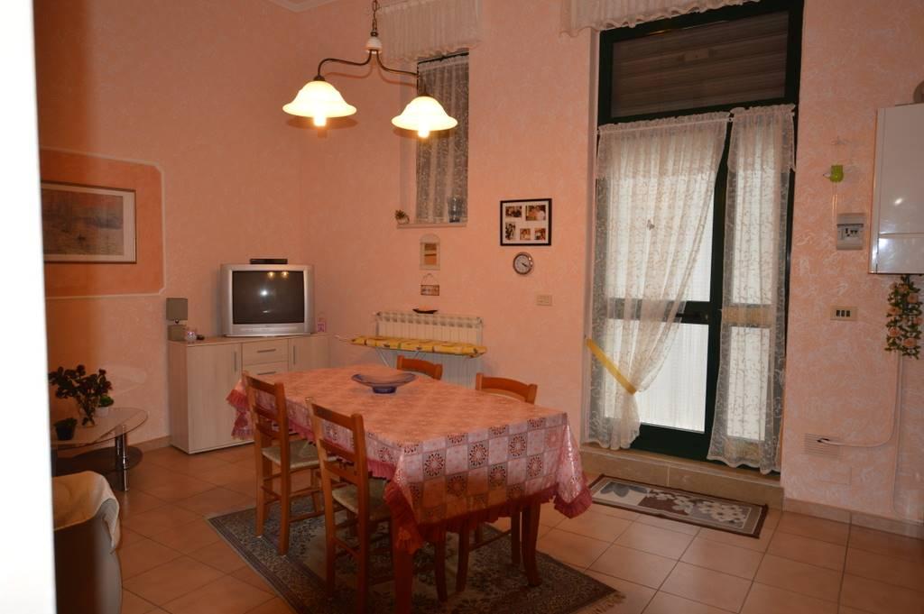 Soluzione Indipendente in vendita a Lavello, 3 locali, prezzo € 55.000 | PortaleAgenzieImmobiliari.it