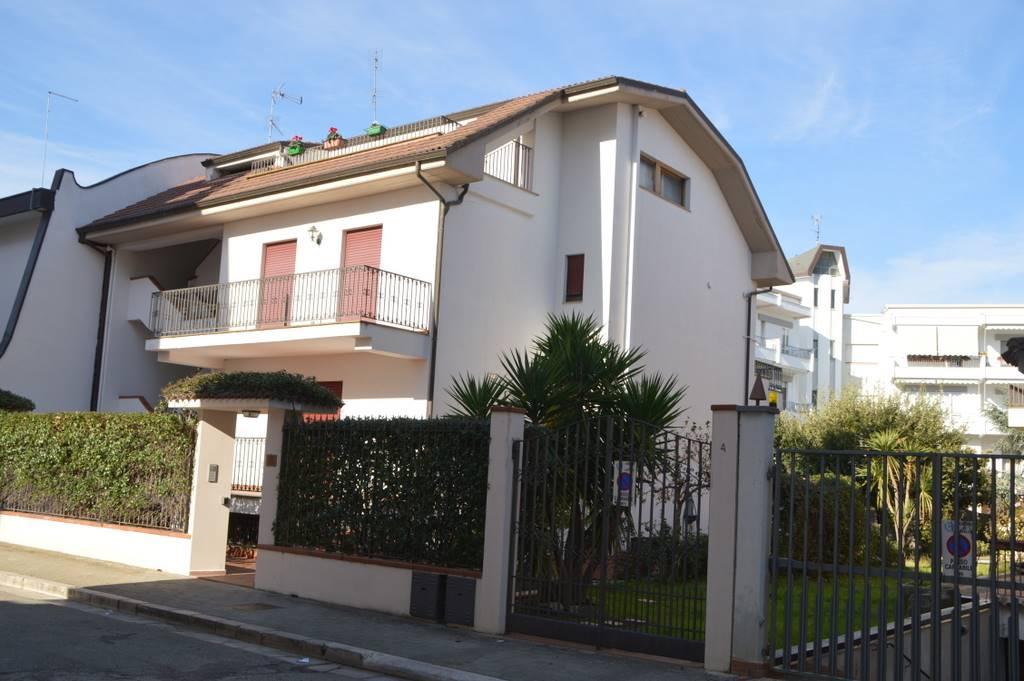 Appartamento in vendita a Lavello, 6 locali, prezzo € 270.000 | PortaleAgenzieImmobiliari.it