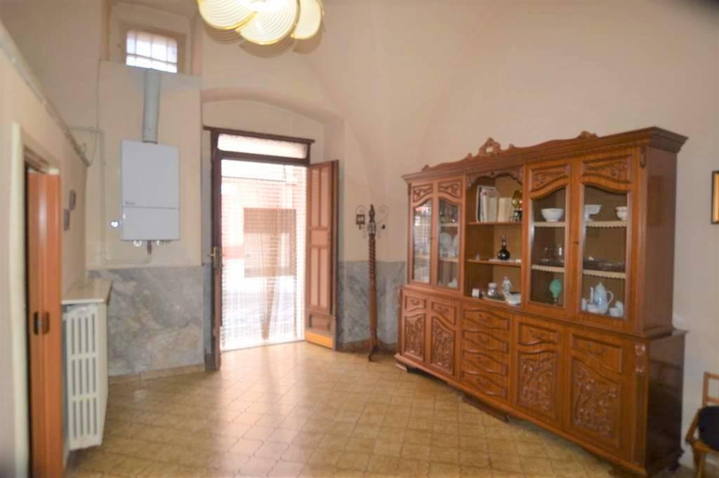 Soluzione Indipendente in vendita a Lavello, 3 locali, prezzo € 37.000 | PortaleAgenzieImmobiliari.it