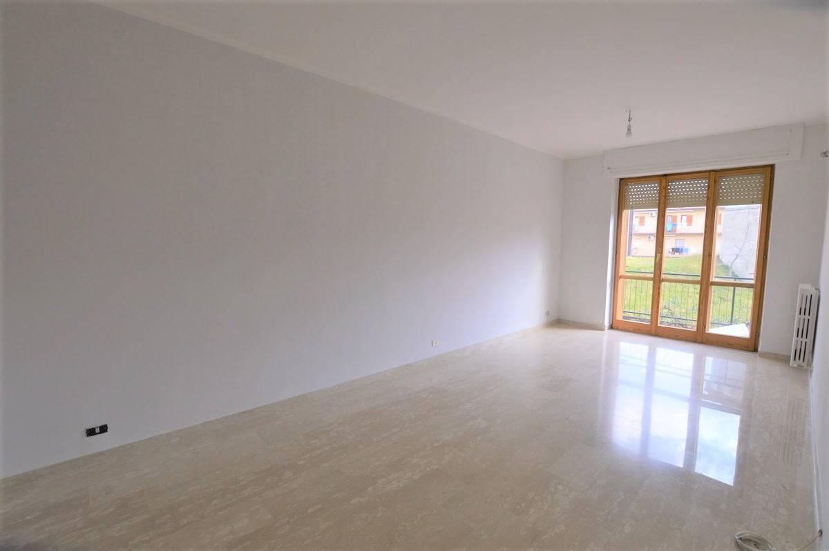 Appartamento in vendita a Lavello, 6 locali, prezzo € 98.000 | PortaleAgenzieImmobiliari.it