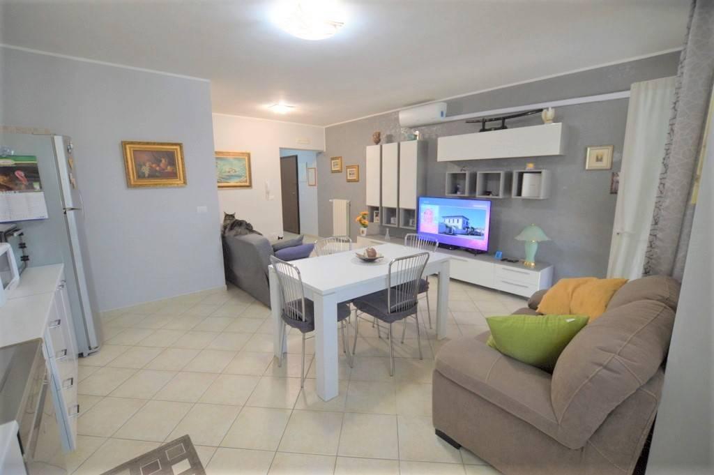 Appartamento in vendita a Lavello, 6 locali, prezzo € 110.000 | PortaleAgenzieImmobiliari.it