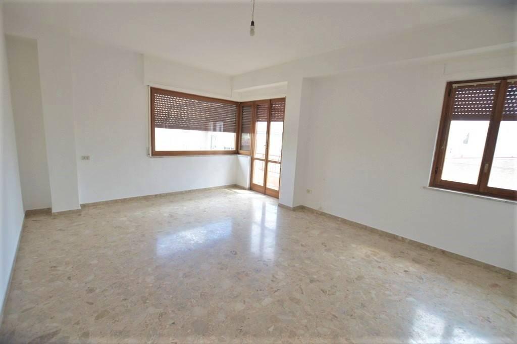 Appartamento in vendita a Lavello, 5 locali, prezzo € 110.000 | PortaleAgenzieImmobiliari.it