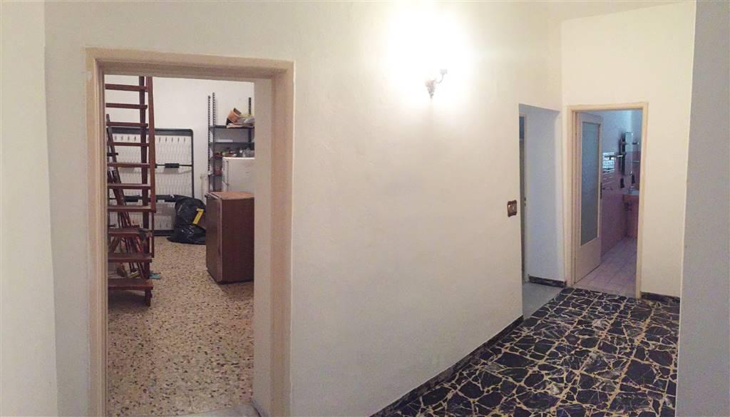 Appartamento in vendita a Castagneto Carducci, 4 locali, zona na di Castagneto Carducci, prezzo € 75.000   PortaleAgenzieImmobiliari.it