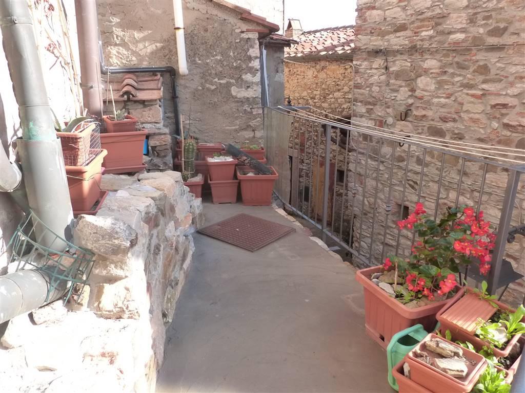 Appartamento in vendita a Sassetta, 3 locali, prezzo € 60.000 | CambioCasa.it