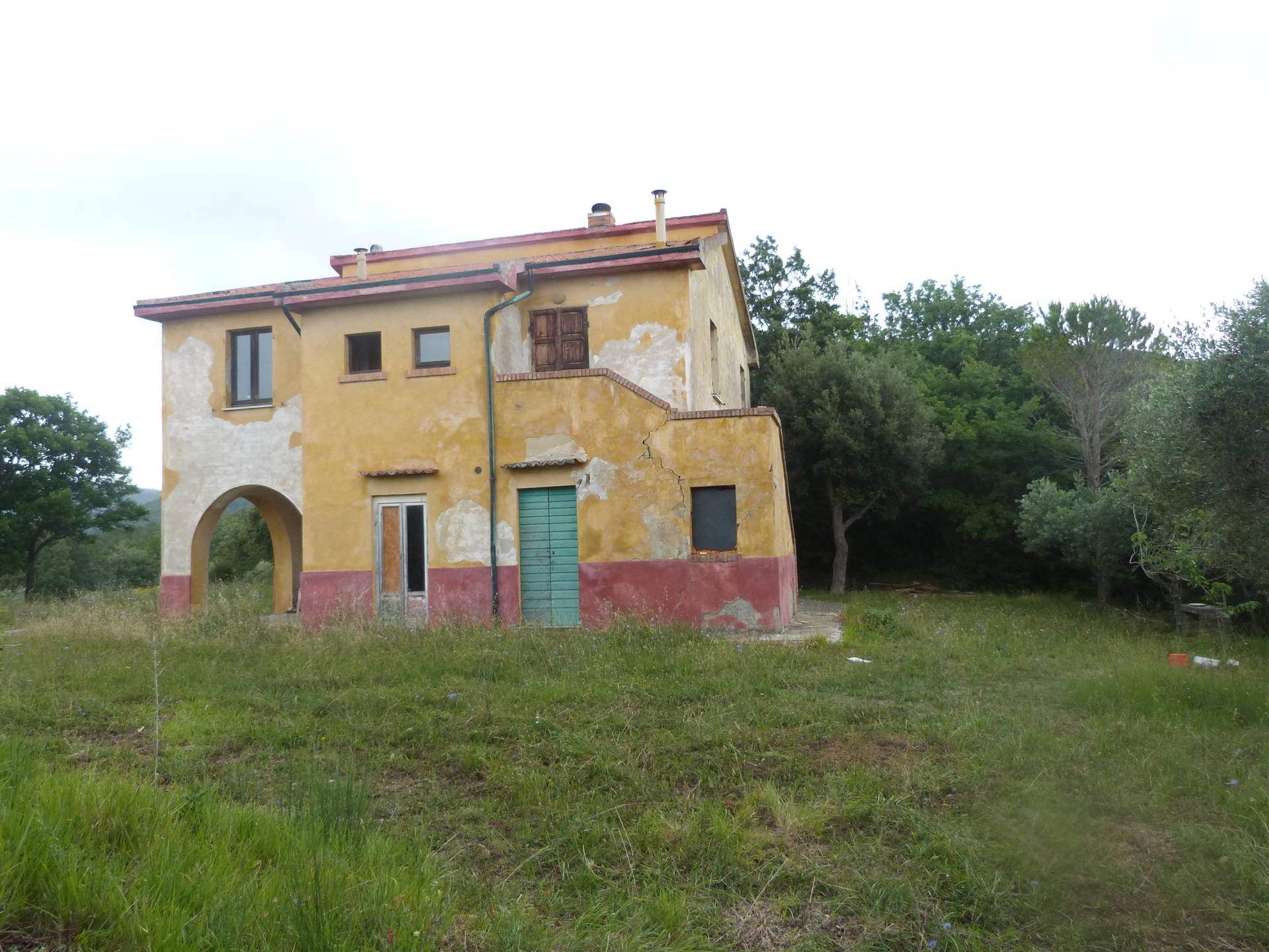Rustico / Casale in vendita a Montecatini Val di Cecina, 8 locali, zona a, prezzo € 370.000 | PortaleAgenzieImmobiliari.it