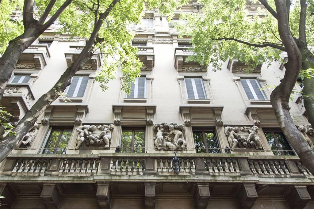 PAGANO, MILANO, Appartamento in vendita di 100 Mq, Ottime condizioni, Riscaldamento Centralizzato, Classe energetica: E, Epi: 122,71 kwh/m2 anno,