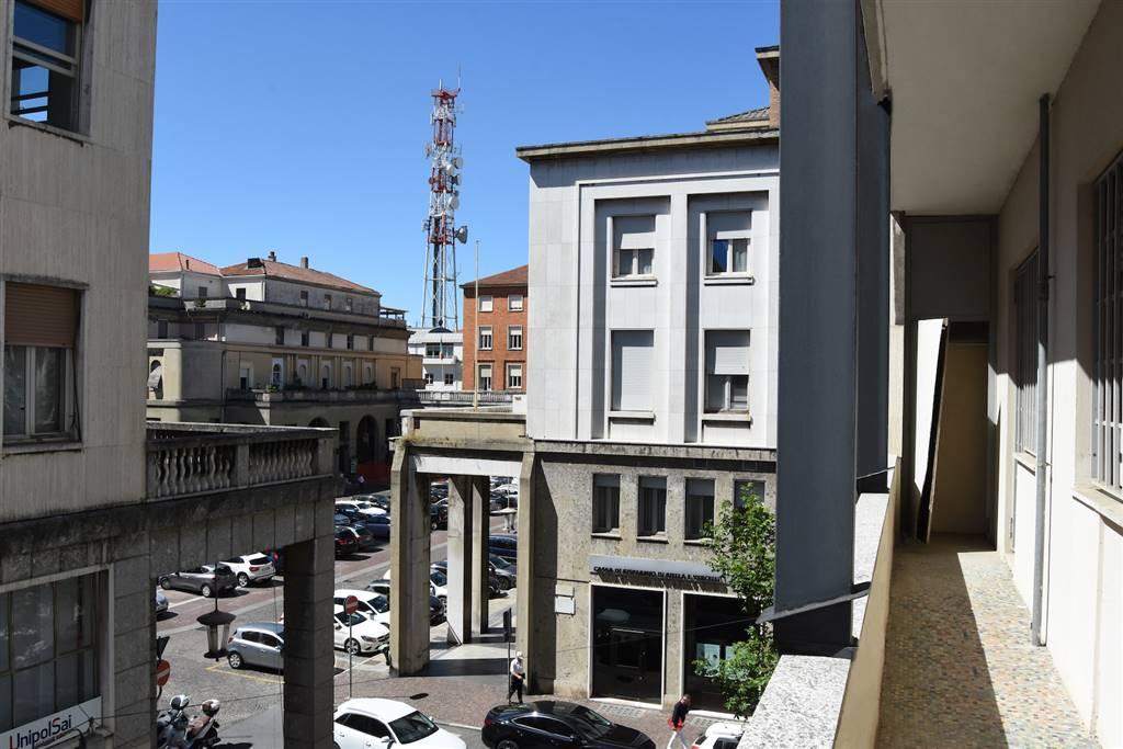 Trilocale in Via Cesare Balbo 5, Centro, Vercelli