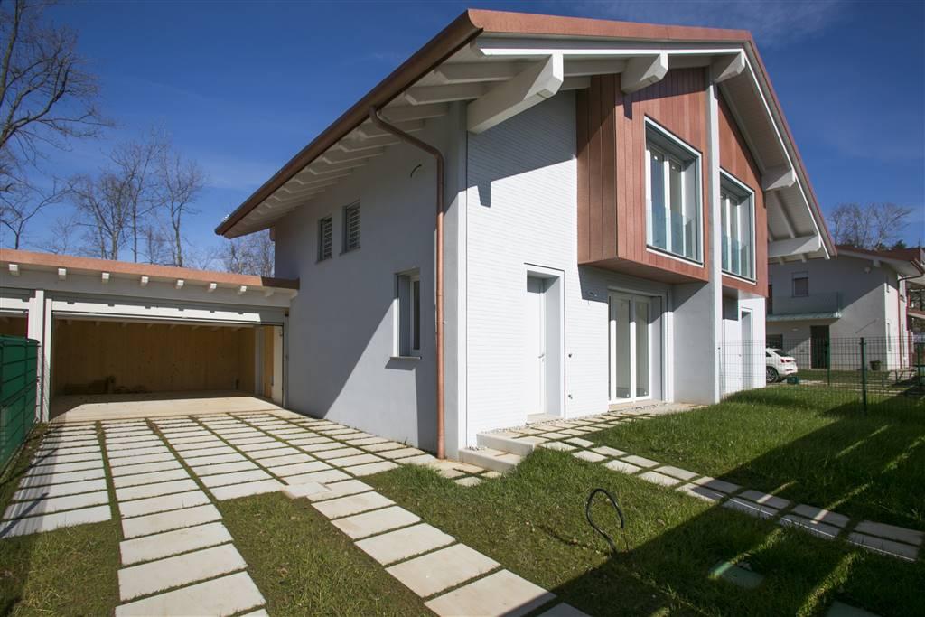 Villa in Via Umberto Giordano 18 h, Tradate