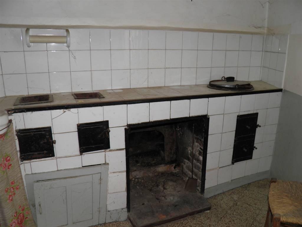 cucina antica con fornacelle
