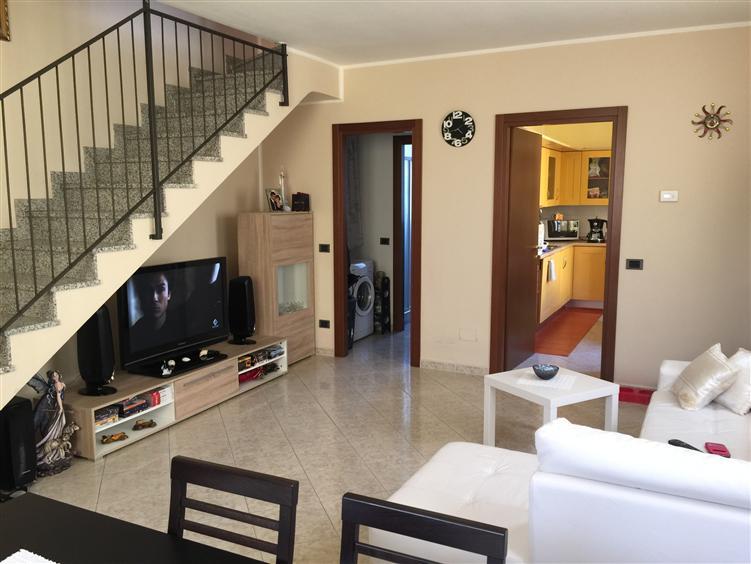 Appartamento in vendita a Busto Garolfo, 3 locali, prezzo € 159.000 | CambioCasa.it