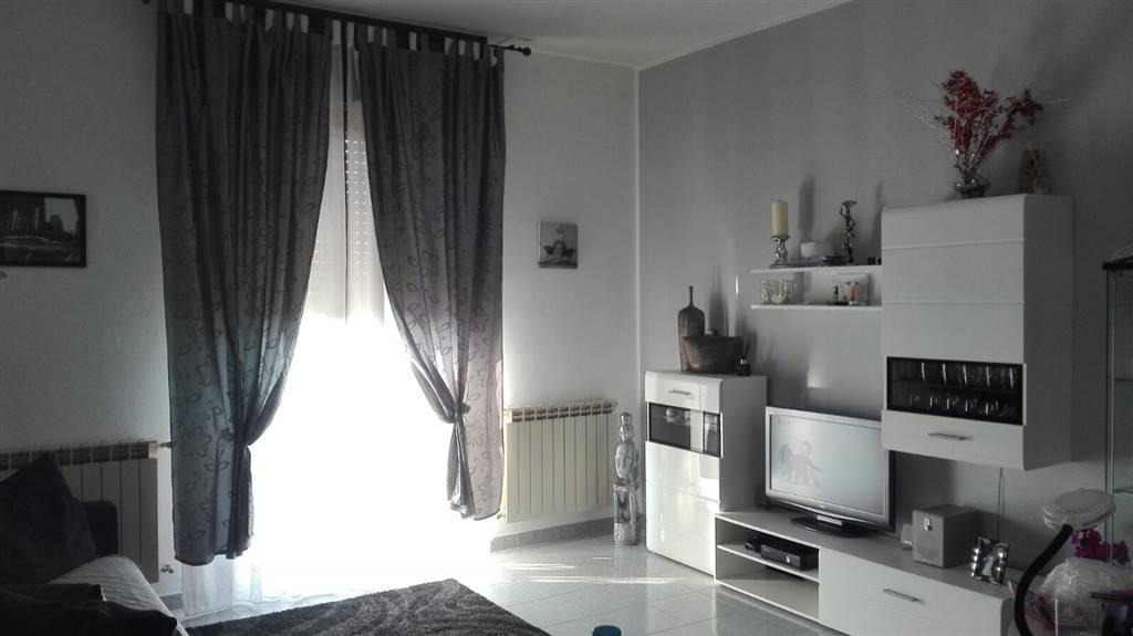 Appartamento in vendita a Busto Garolfo, 3 locali, prezzo € 99.000 | CambioCasa.it