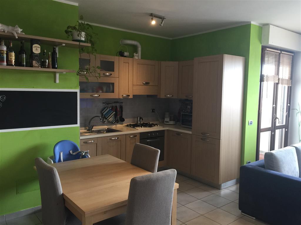 Appartamento in vendita a Busto Garolfo, 2 locali, prezzo € 105.000   CambioCasa.it