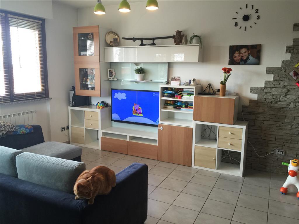 Appartamento in vendita a Busto Garolfo, 2 locali, prezzo € 100.000 | CambioCasa.it