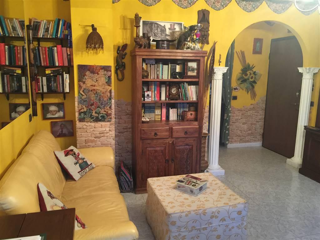 Appartamento in vendita a Busto Garolfo, 3 locali, prezzo € 120.000 | CambioCasa.it
