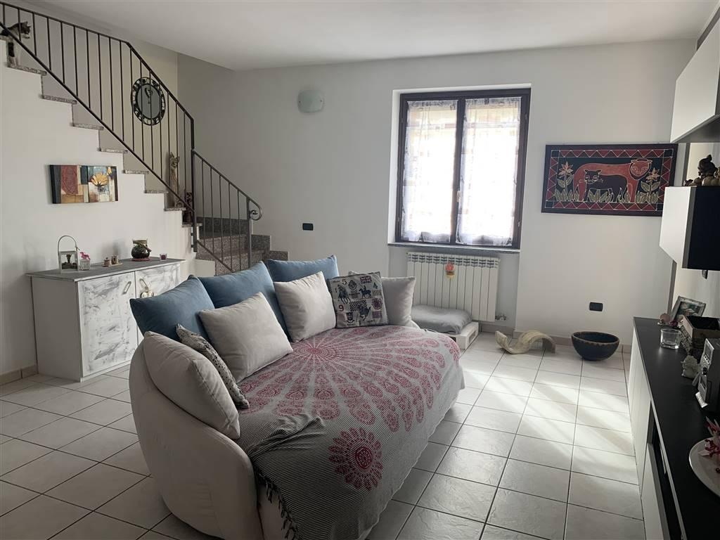 Appartamento in vendita a Arconate, 4 locali, prezzo € 165.000 | CambioCasa.it
