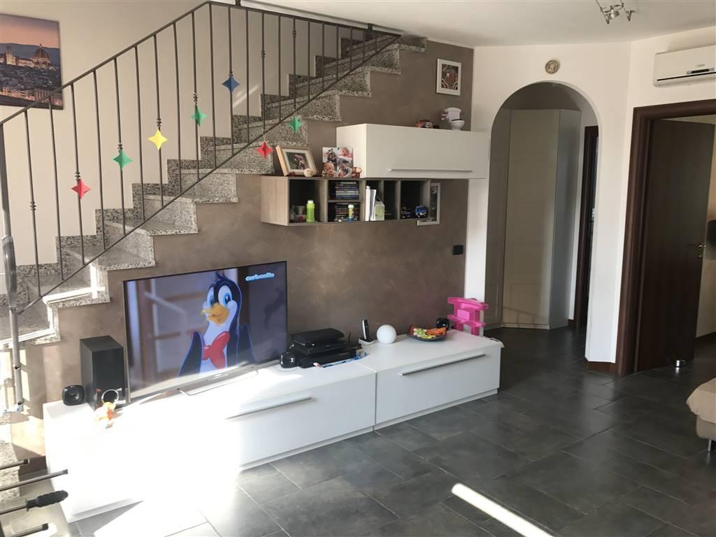 Villa in vendita a Dairago, 4 locali, prezzo € 239.000   CambioCasa.it