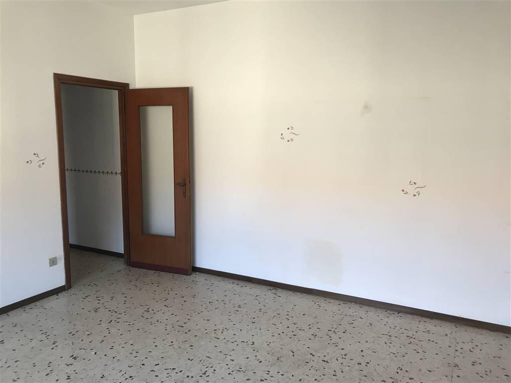 Appartamento in vendita a Busto Garolfo, 2 locali, prezzo € 69.000   CambioCasa.it