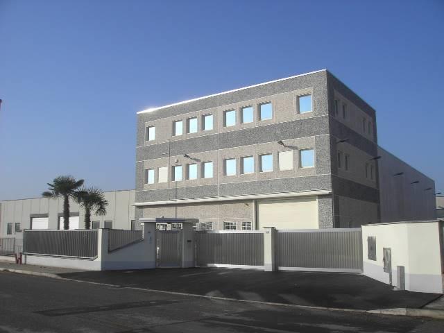 Capannone in vendita a Cerro Maggiore, 9999 locali, Trattative riservate   PortaleAgenzieImmobiliari.it