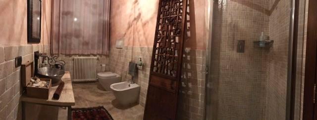 particolare bagno piano terra
